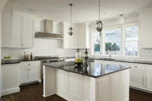 Contemporary Style Kitchen In Laminate With MDF Shaker & Raised Panel Door (Promo #8)