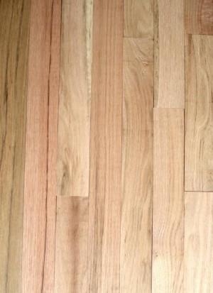 "Unfinished Red Oak Hardwood, Square Edge, Grade Rustic (4-1/4''x3/4"")"
