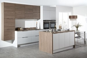 Transitional Style Kitchen In Laminate With Two Colors & Flat Door (Promo #4)