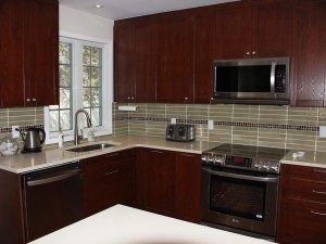 Classic Style Kitchen With Wood Doors and Finishes