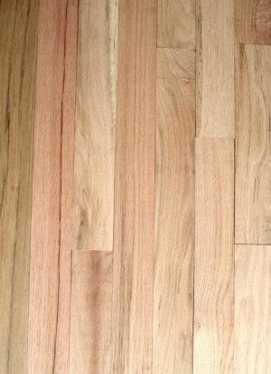 "Unfinished Red Oak Hardwood, Square Edge, Grade Rustic (3-1/4''x3/4"")"