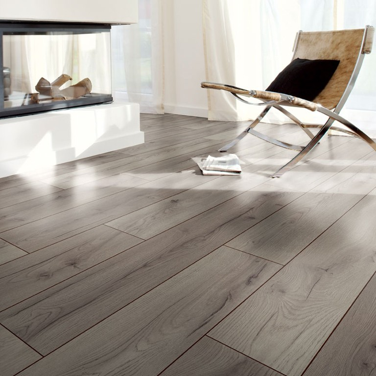 Casa reno direct laminate floor authentic collection 8mm for Casa classica collection laminate flooring
